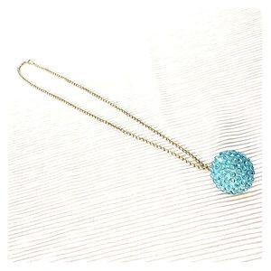 Jewelry - Blue shiny necklace